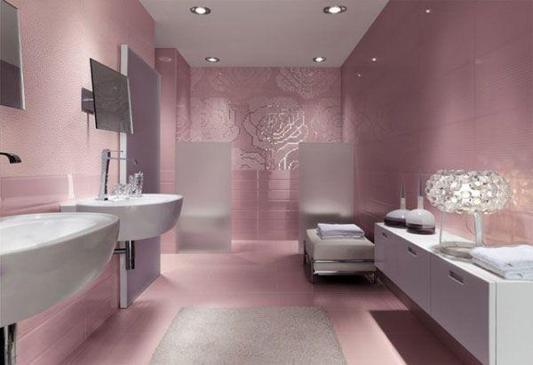 Une salle de bain rose féminine et tendance House