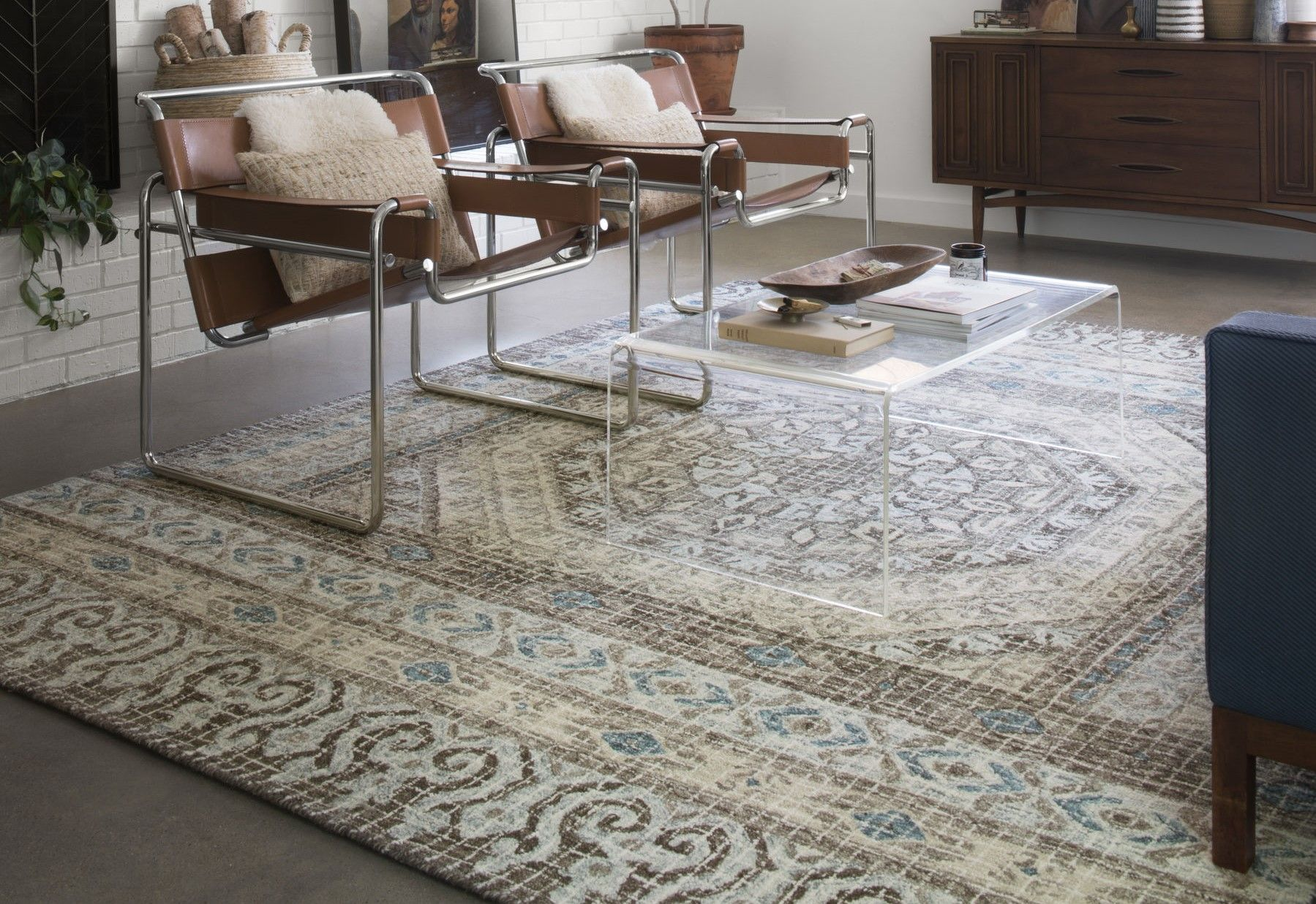 How To Flatten A Rug That Has Been Folded Feels Free To Follow Us In 2020 Rugs Area Rugs Large Area Rugs