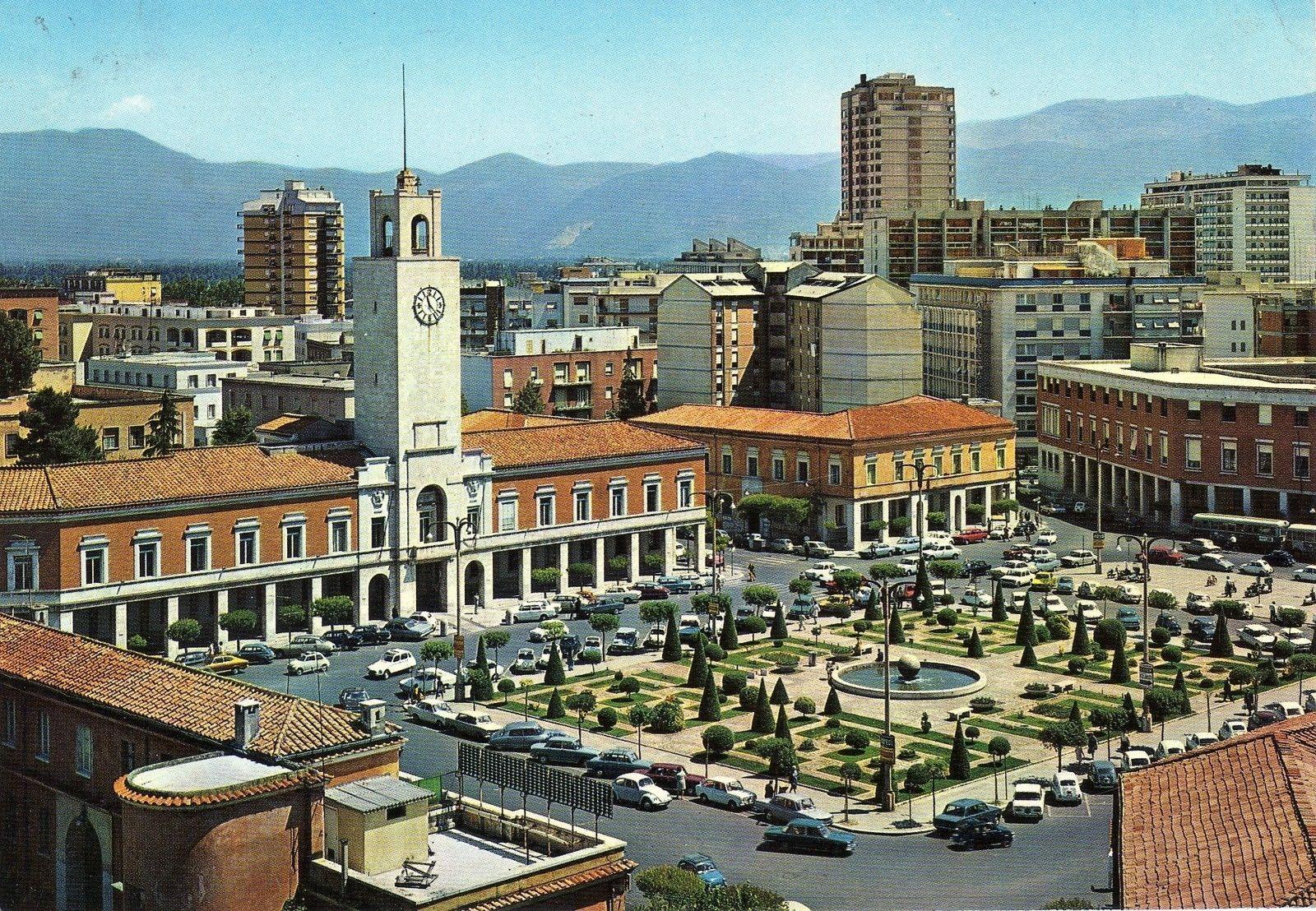 08298 Cartolina Latina (LT) Piazza del Popolo