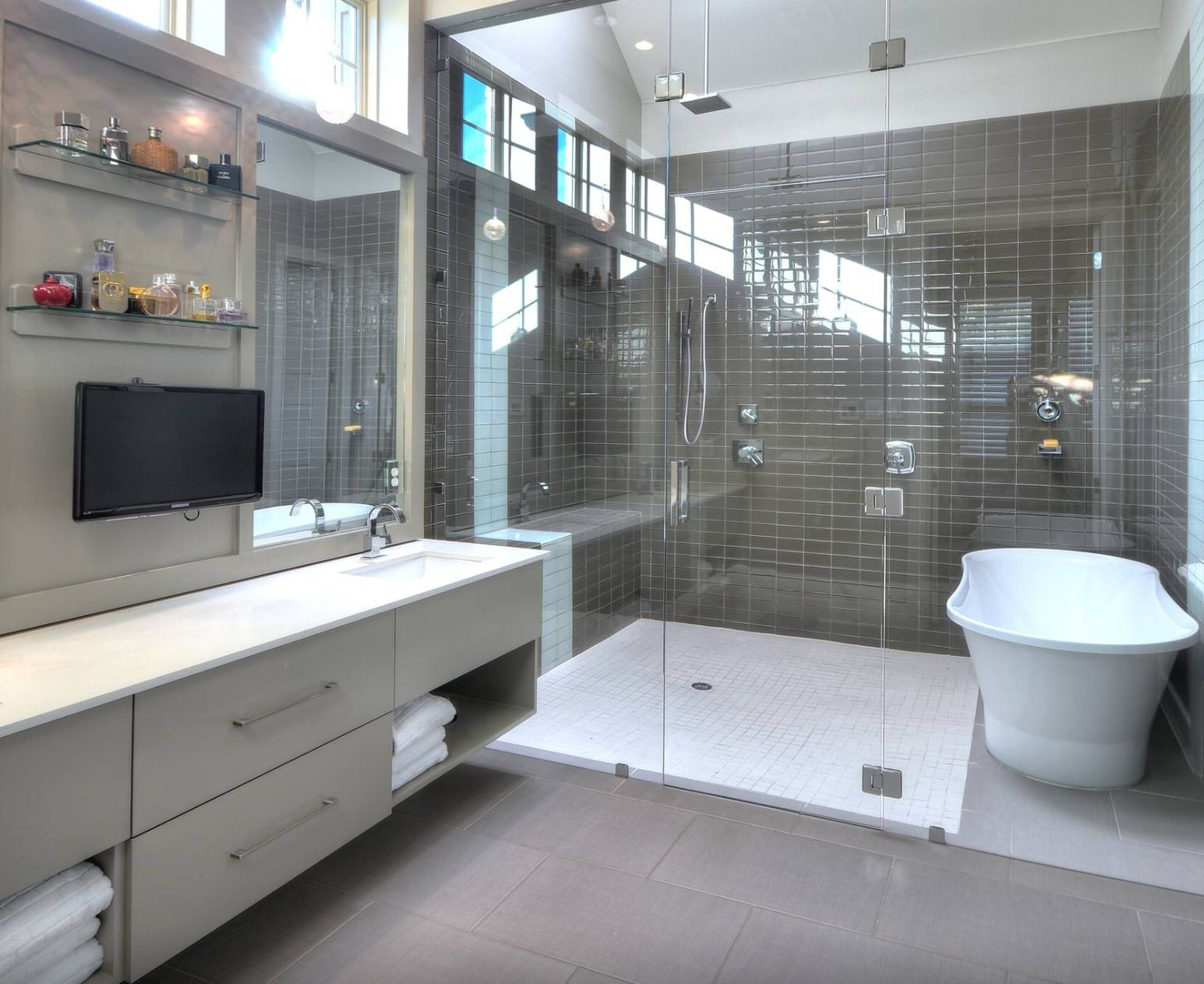 Combo tub shower wet room bathrooms pinterest wet for Bathrooms for small areas