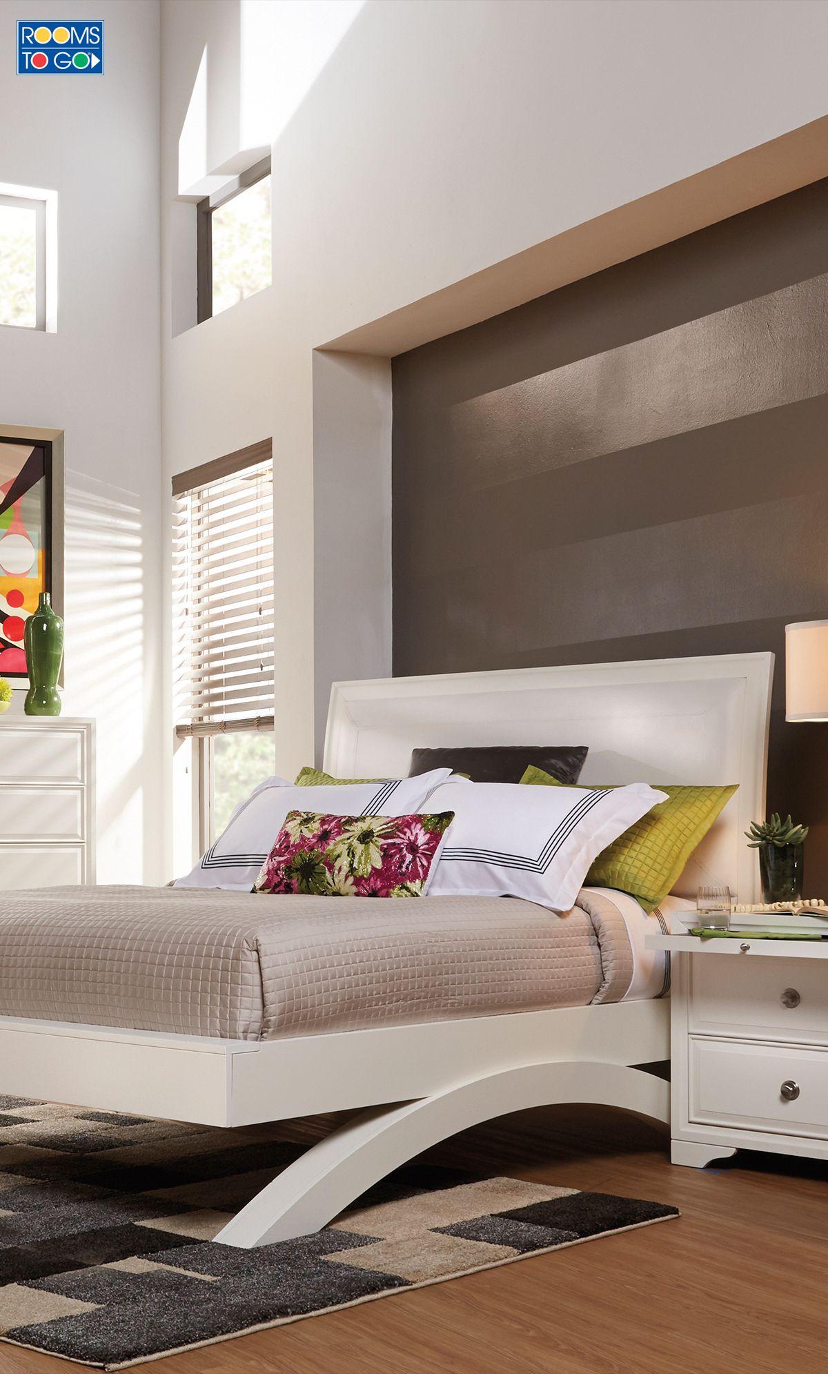 Belcourt White 5 Pc Queen Platform Bedroom Italian