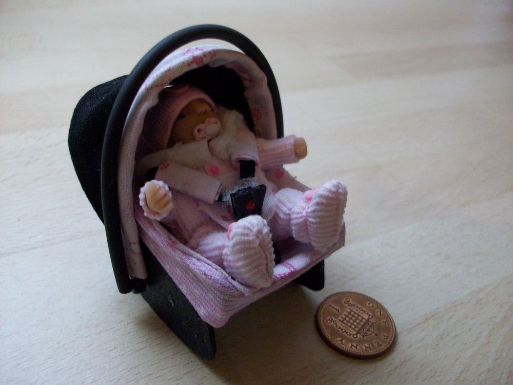 Dolls House Ooak Sculpt Baby Girl Car Seat Carrier 1 12 Scale