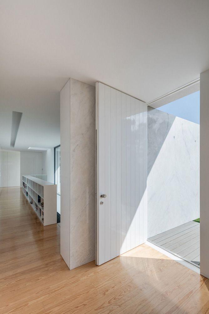 Gallery of Vila do Conde House / Raulino Silva Arquitecto - 14
