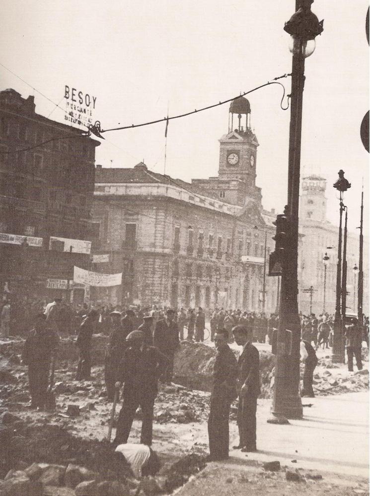 Puerta del Sol, Madrid. Civil War 1936-1939