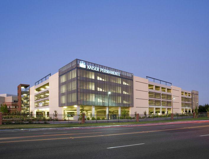 Kaiser south sacramento parking structure clark pacific for Architecture firms sacramento