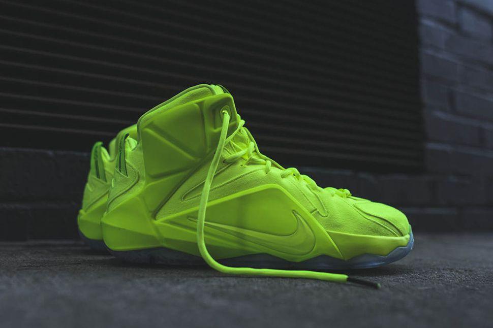 f67012fa653 Nike LeBron 12 EXT