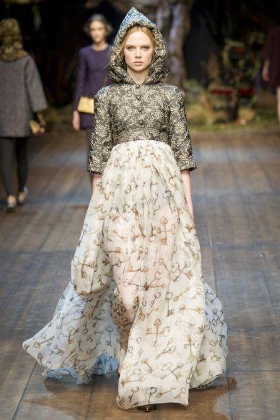 Sfilata Dolce   Gabbana Milano - Collezioni Autunno Inverno 2014-15 - Vogue 96ebf44d603