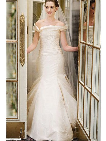 Vera Wang For Emma Allan Also Designed Anne Hathaways Off Shoulder Taffeta Dress In Bride Wars