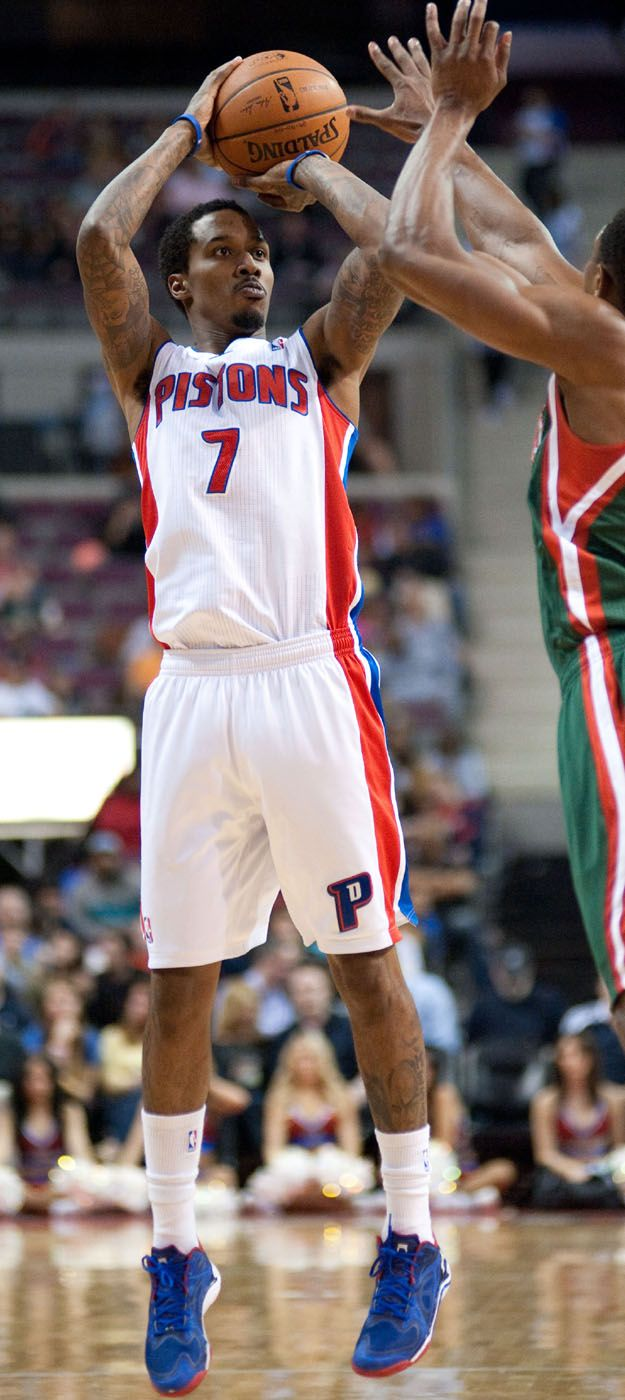 Brandon Jennings   Detroit sports, Nba players, Detroit ...