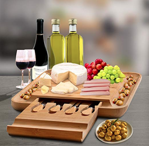 21 Best Gifts For The Hostess #plateaucharcuterieetfromage 21 Best Gifts For The Hostess | Unique Gift Ideas for Hostess #plateaucharcuterieetfromage