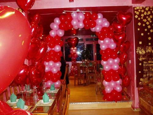 Valentines day home decorating idea CLASSIC VALENTINES DAY HOME