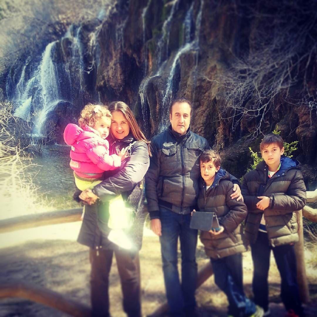 Jose Fco On Instagram Familia Al Completo En El Nacimiento Del Río Cuervo Riocuervo Rio Cuenca Instagram Instagram Posts Couple Photos