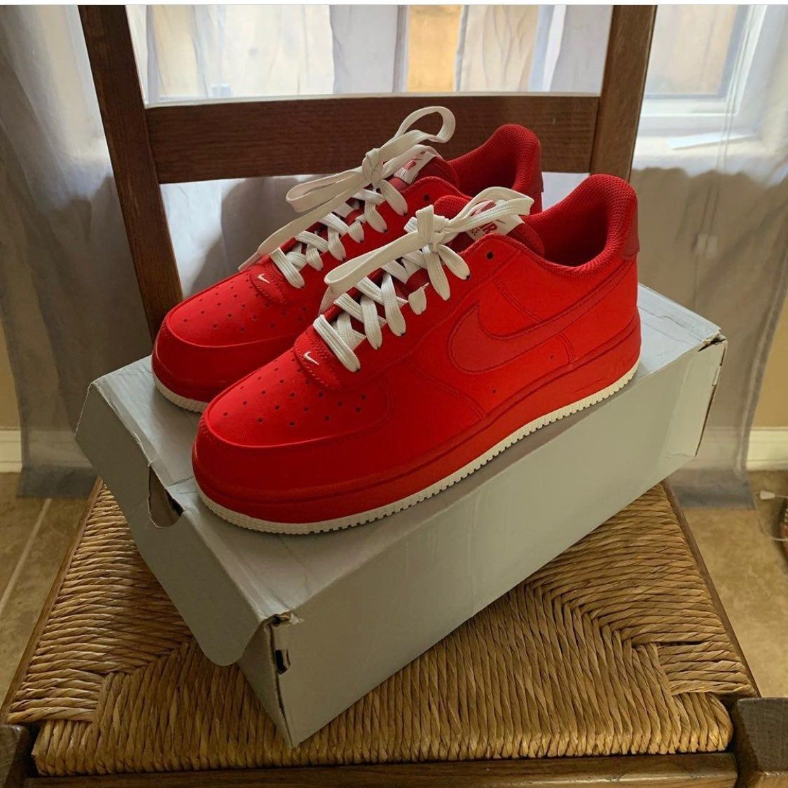 Nike Air Force 1 Reds W White Detailing Mens Size 6 Or Womens