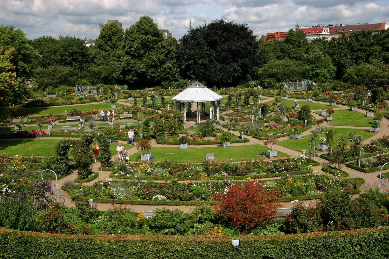 Planten Un Blomen Park Hamburg The People S Favourite Park Tourism In Germany Travel Breaks Holidays Germany Travel Landscape Decor Green City