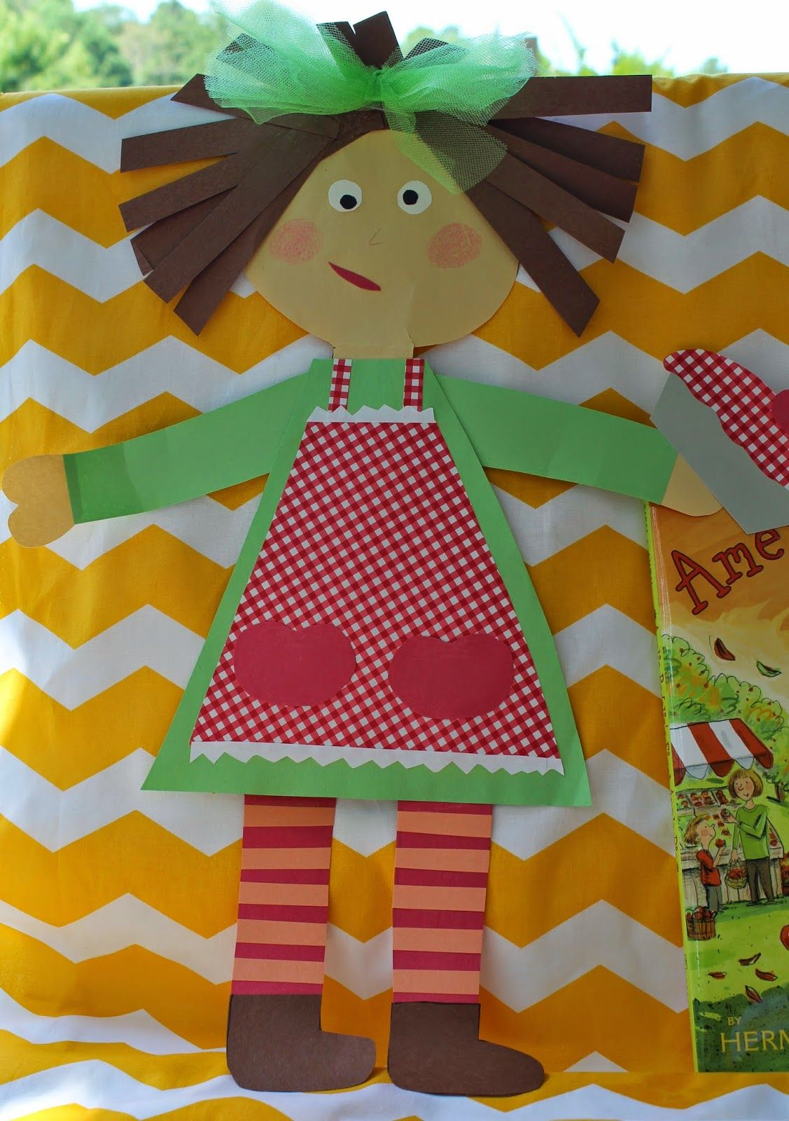 Life In First Grade Amelia Bedelia S First Apple Pie