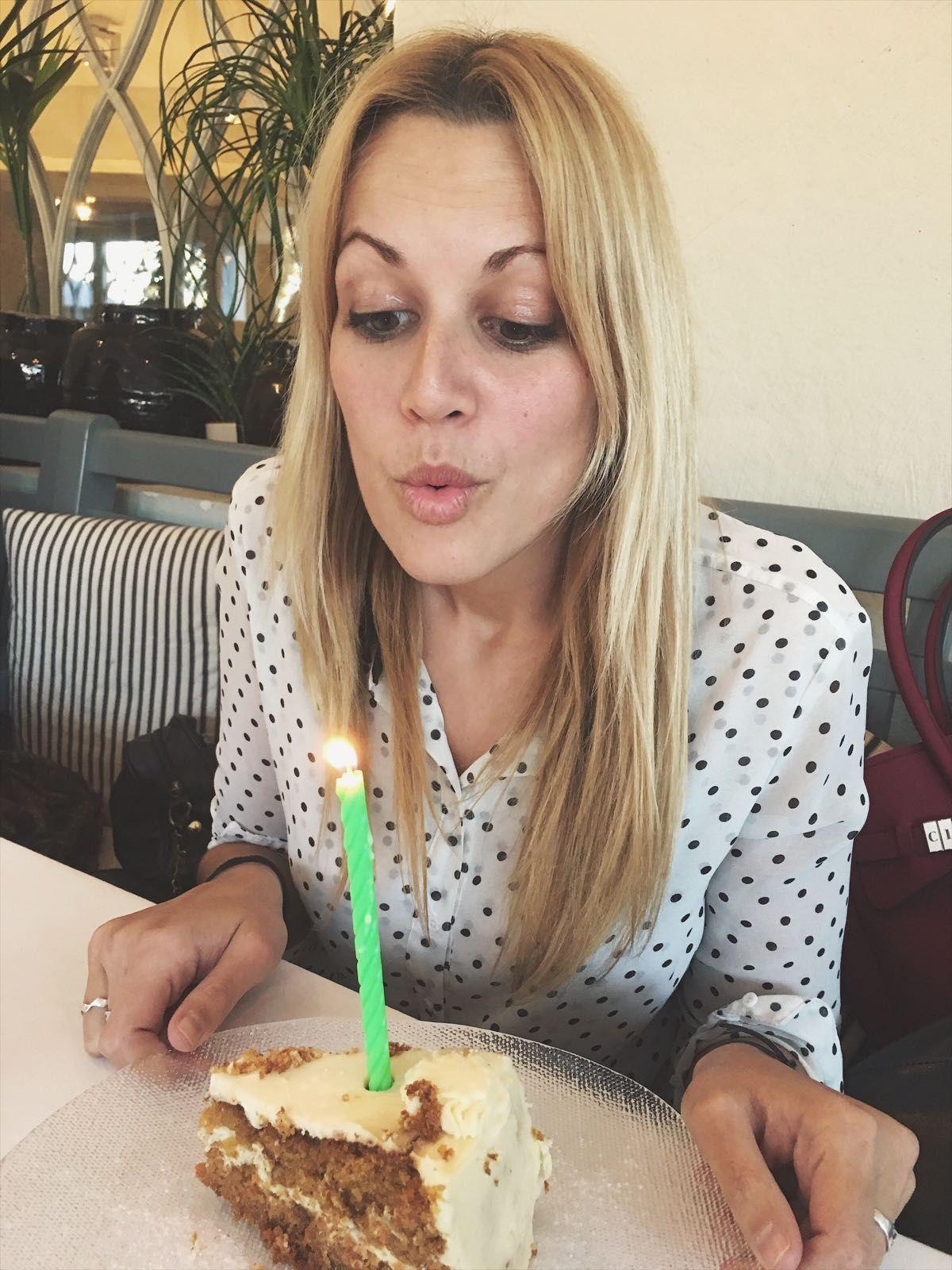 Es un as de la #comunicación, una foodie empedernida, pero sobre todo una compañera impresionante.  FELICIDADES CRISTINA!  ⇝http://www.villarrazo.com/