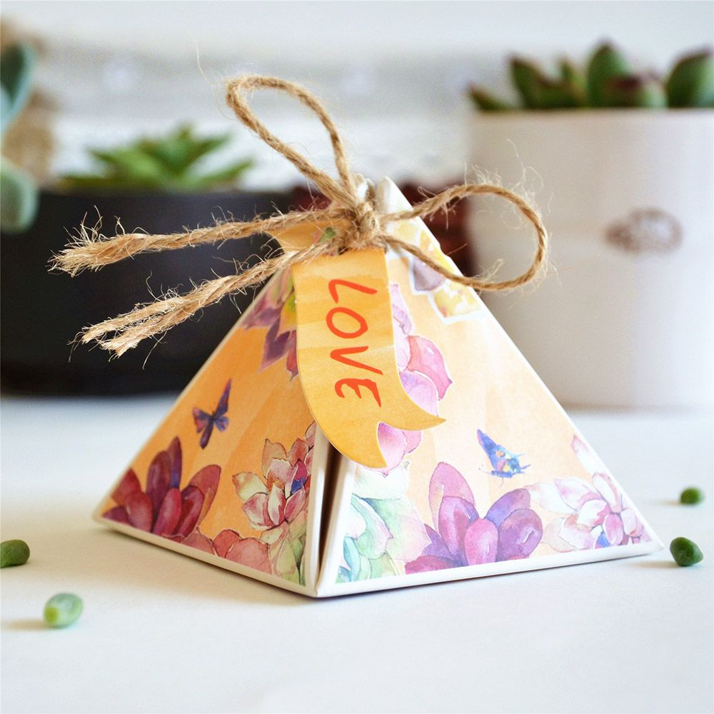Pyramid Spring Flower Print Wedding Favor Boxes With Hemp Rope