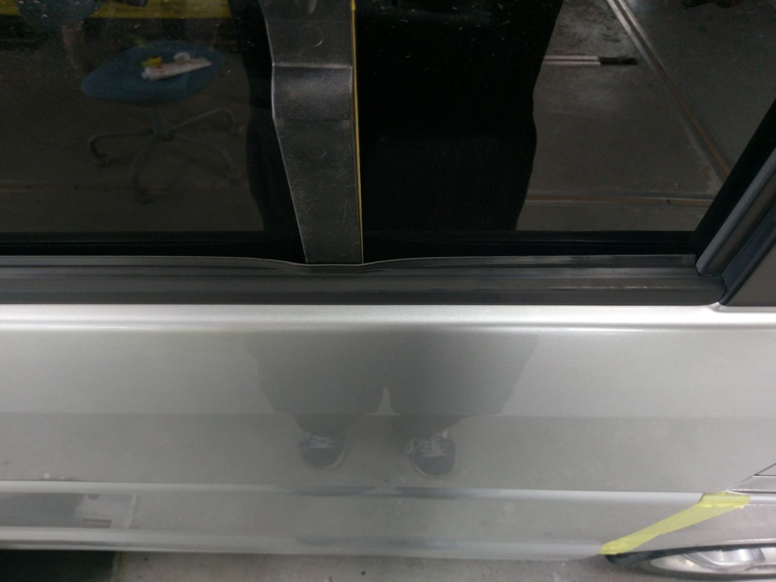 エブリィda64w Da64vのスライドドアガラス交換 取り外し方法編