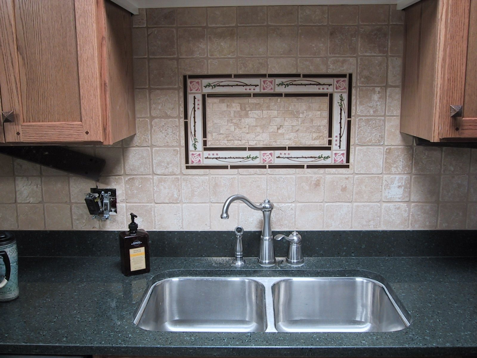Backsplash ideas kitchen sink backsplash ideas ehow for Sink splashback ideas