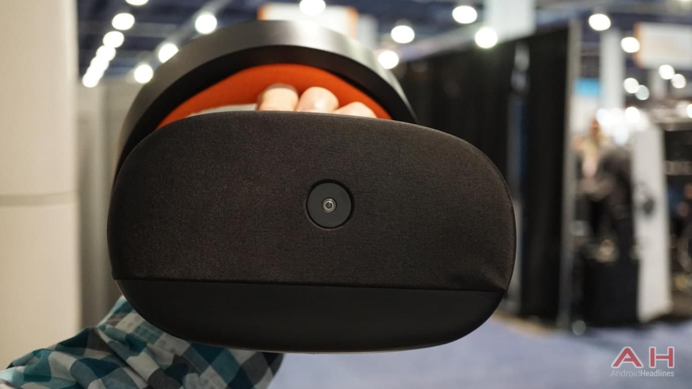 Pico Neo Cv Headset And Tracker Being Shown At Gdc Android Mwc17 Google News Vr Headset Headset Neo