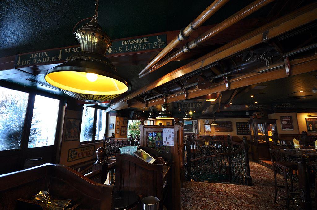 Brasserie au bureau.jpg 1024×680 pub anglais irlandais deco