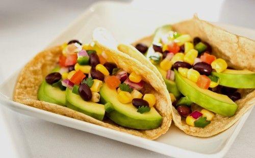 Tacos de aguacate y frijoles