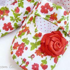 sapatinho floral vermelho