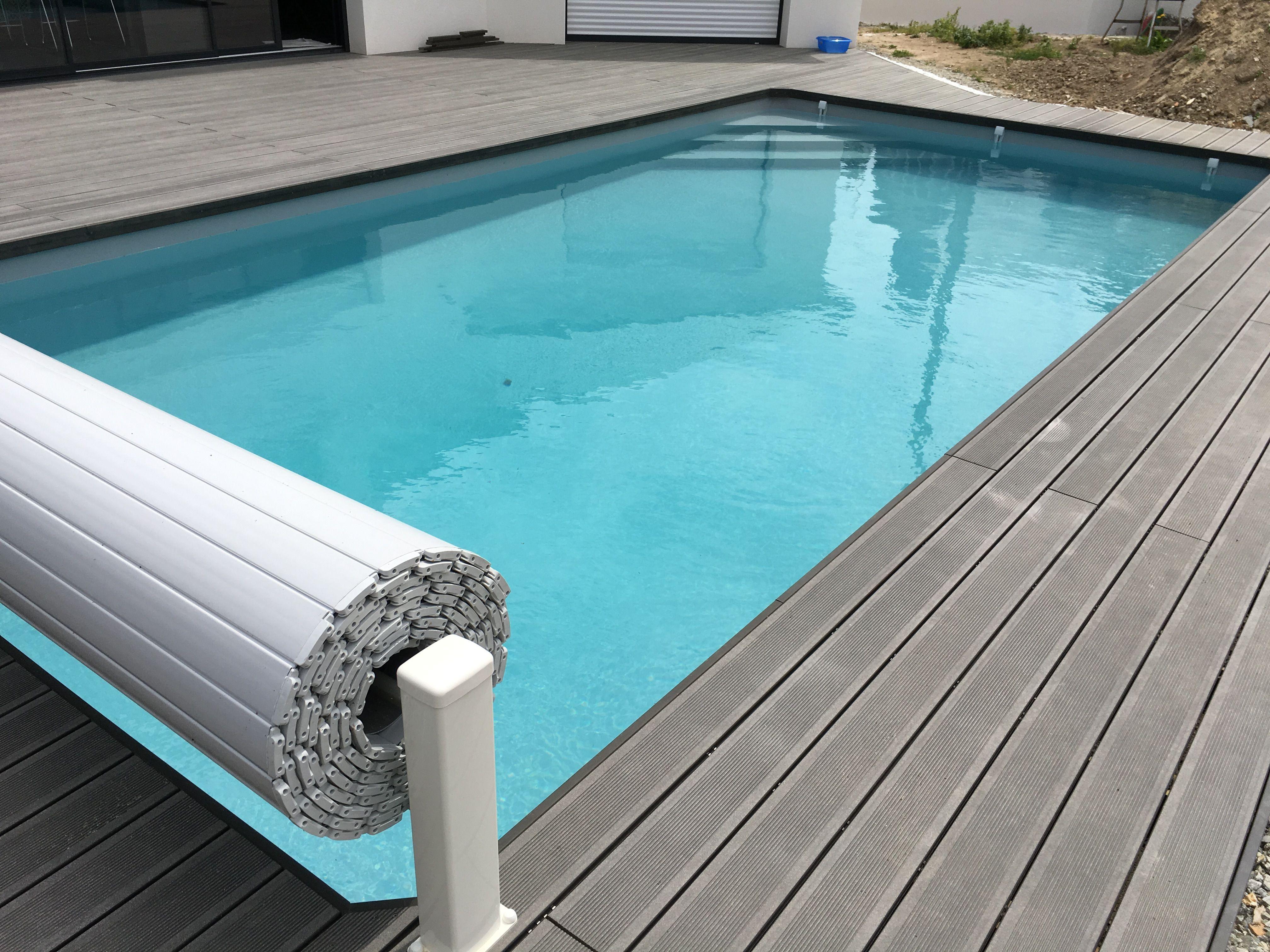 Terrasse En Composite Autour D Une Piscine Realisee Par An Oriant Sols Terrasse Terrassecomposite Piscine Anori Terrasse Composite Terrasse Carrelee Terrasse