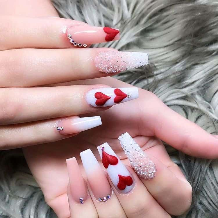 40+ Cute Valentines nails that are trendy af for 2