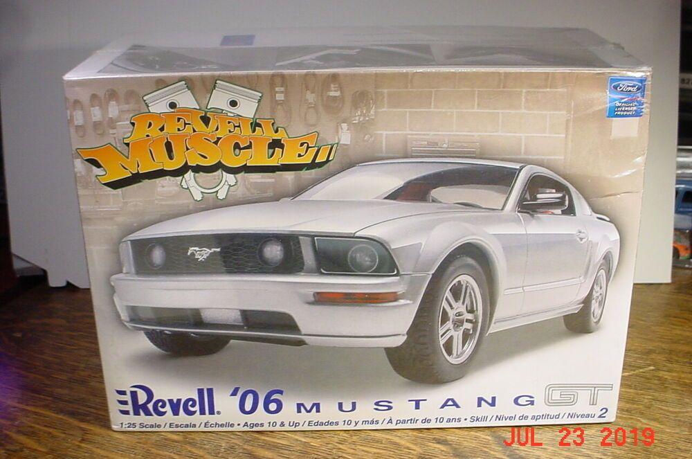2005 Revell 06 Ford Mustang Gt 85 2839 Model Kit 1 25 Sealed Revell Ford Mustang Gt Mustang Gt Model Kit
