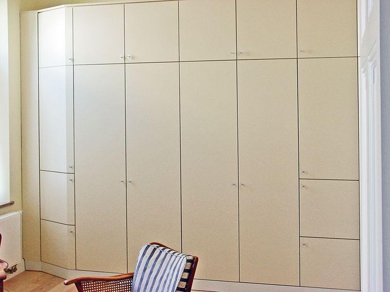 Ideal für Ferienwohnungen, Schrankbett Das Bett lässt sich mit - schränke für schlafzimmer