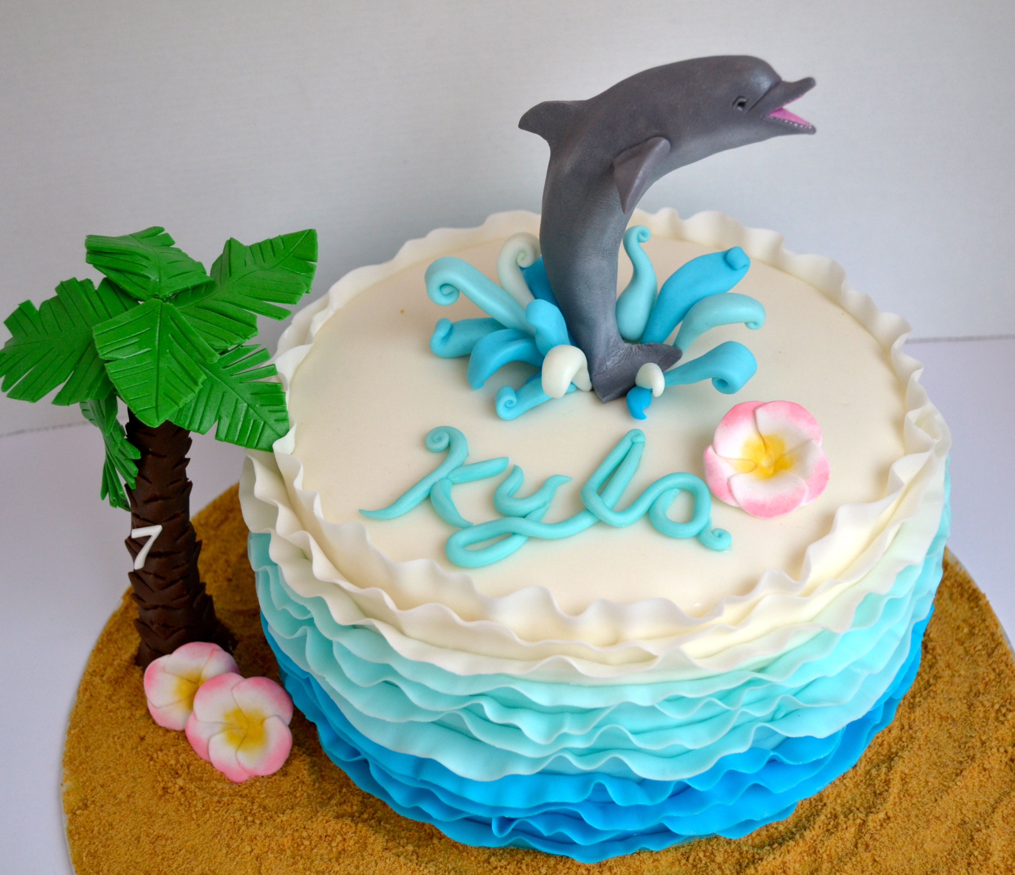 dolphin wedding cake ideas this is a cake i made for a seven year who 13698