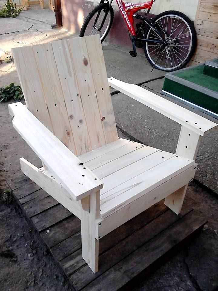 Superbe Adirondack Chair Made Out Of Pallets