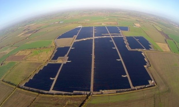 Uk S Biggest Solar Farm Connects To National Grid Solar Farm Solar Solar Power