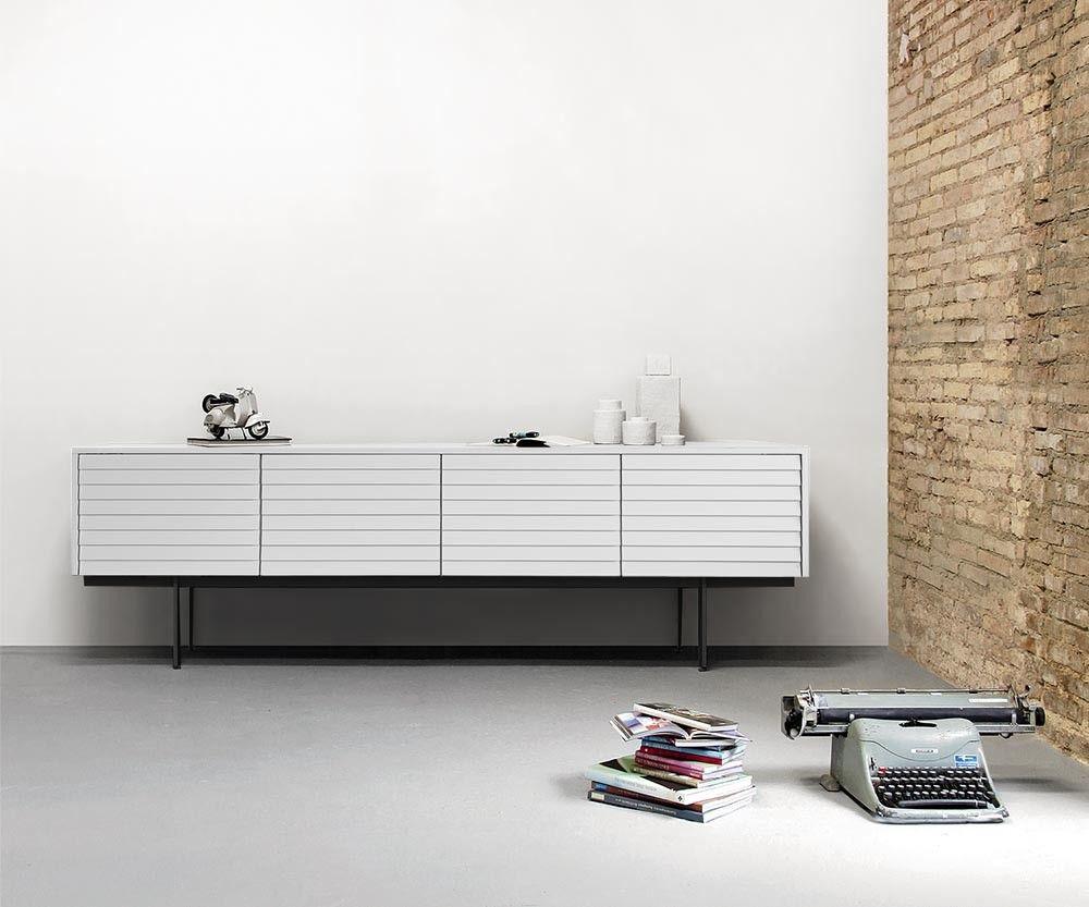 Punt sideboard sussex pinterest sideboard modern for Puristisches wohnzimmer