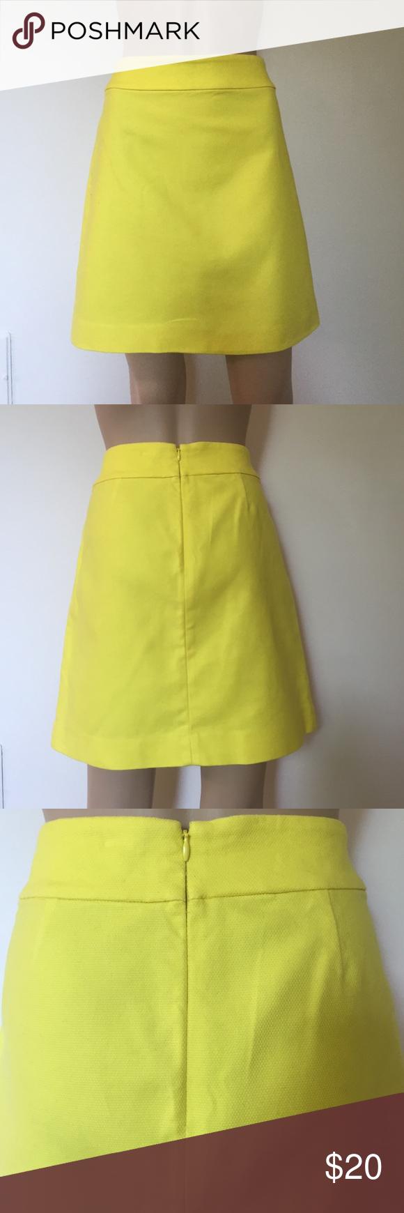 bc3791a1e7 Ann Taylor Loft Yellow skirt size 4 Bright yellow Ann Taylor size 4  stretchy skirt.
