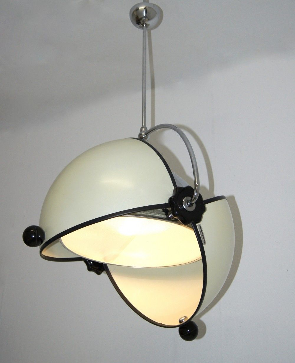 Olook or molok lamp superstudio for poltronova design for Superstudio arredamento