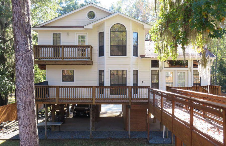 "The Caddo ""White"" House | Caddo Lake Lodging"