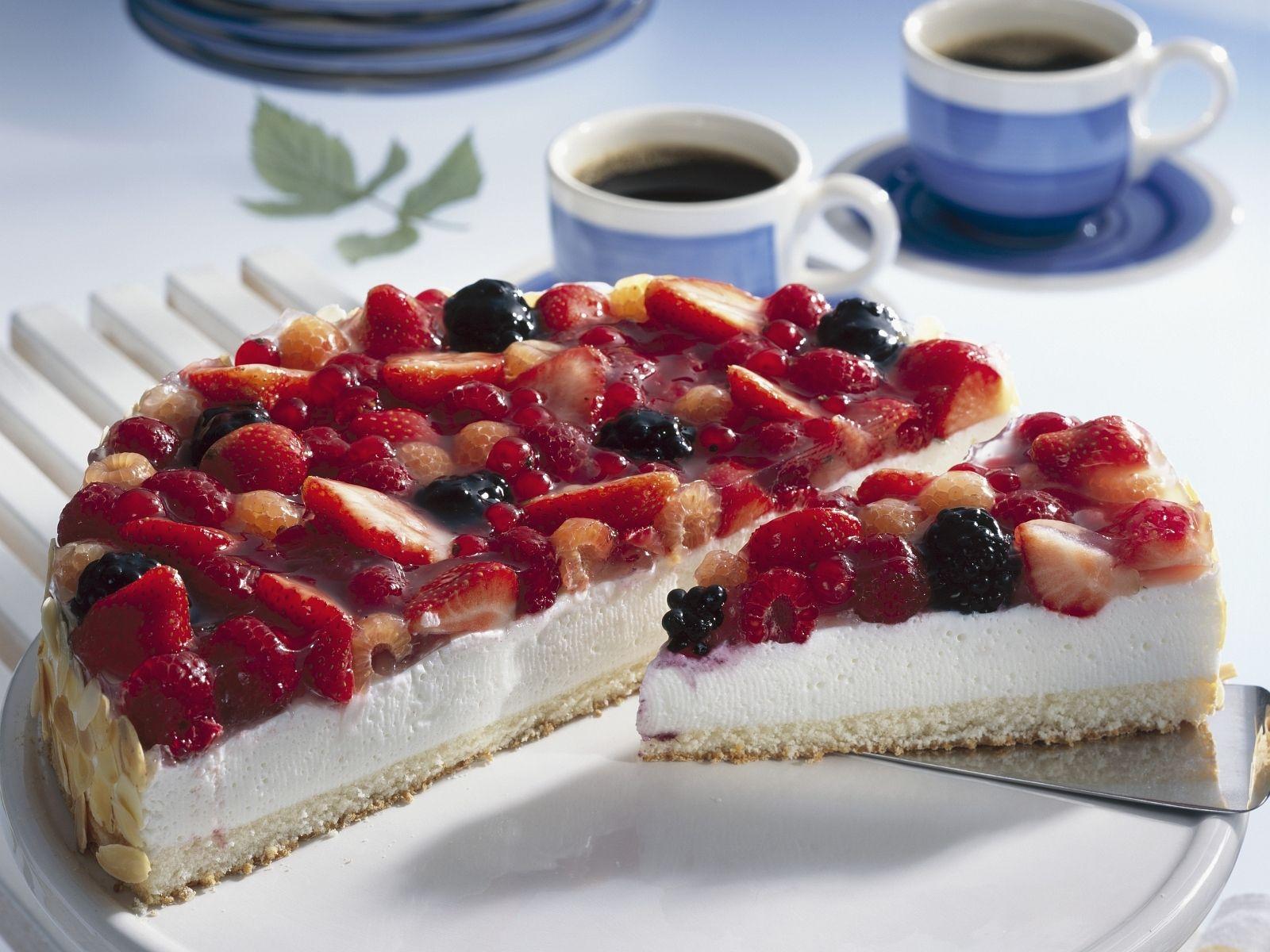Beeren Quark Torte