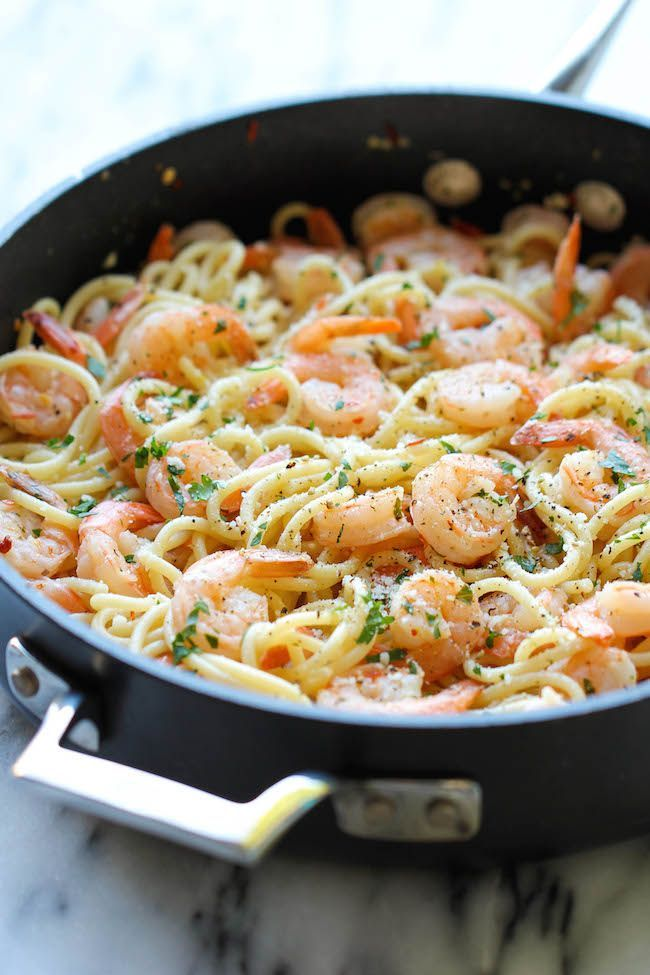 Shrimp Scampi - You won't believe how easy this comes together in just 15 minutes - perfect for those busy weeknights! #shrimpscampi