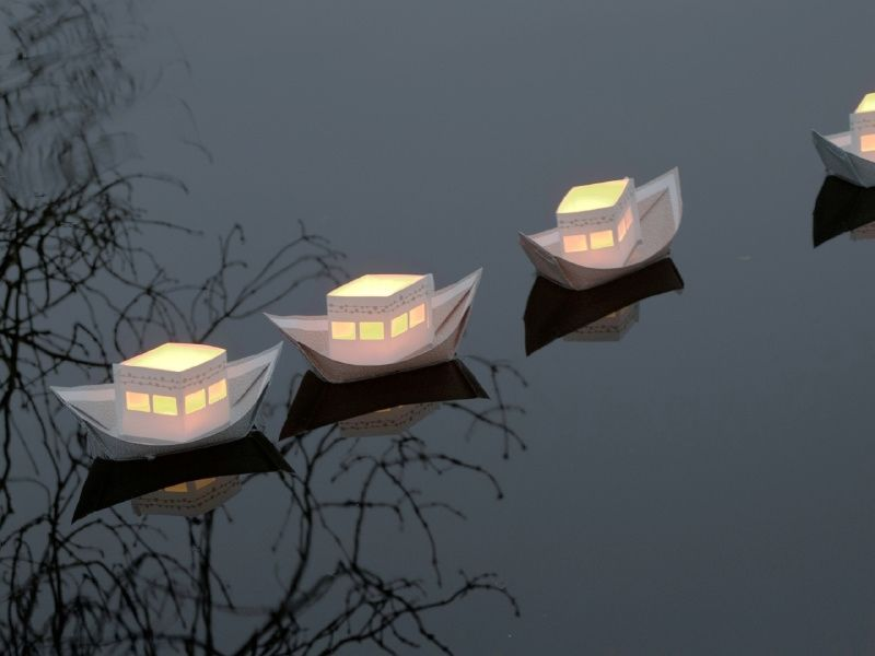 Varende lichtbootjes (3 stuks)