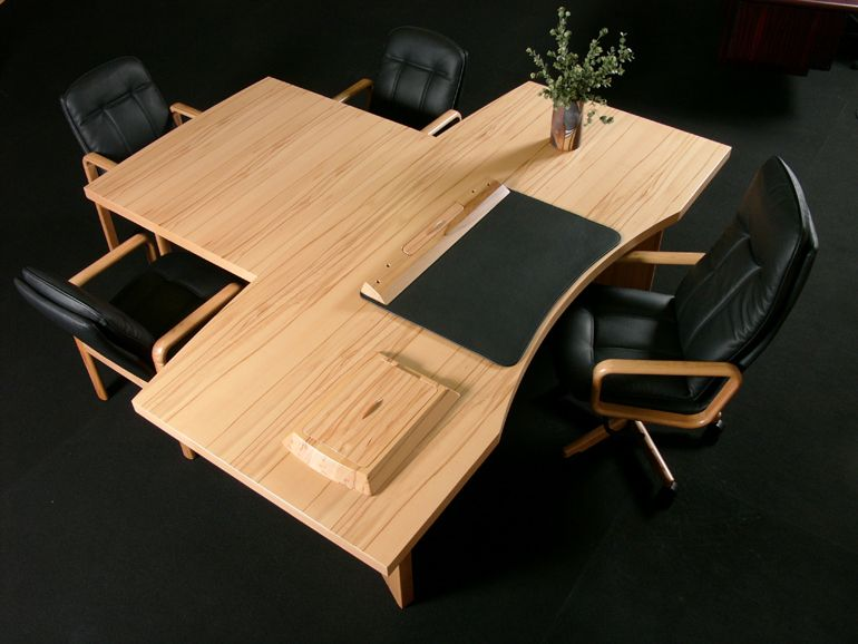 In The Starline Range We Also Offer An Alternative To The - Desk conference table combination