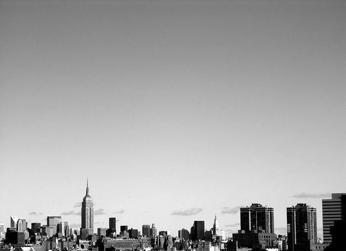 The New New Yawk Inside Jamari Fox Black And White Wallpaper City Wallpaper Black And White City