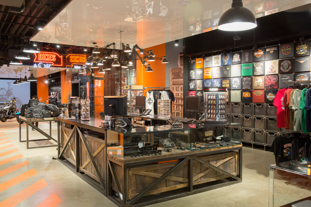 High Tech Urban Harley Davidson Flagship Store In Nyc By Jpda Jordan Parnass Digi Showroom Interior Design Store Design Interior Motorcycle Showroom Interior