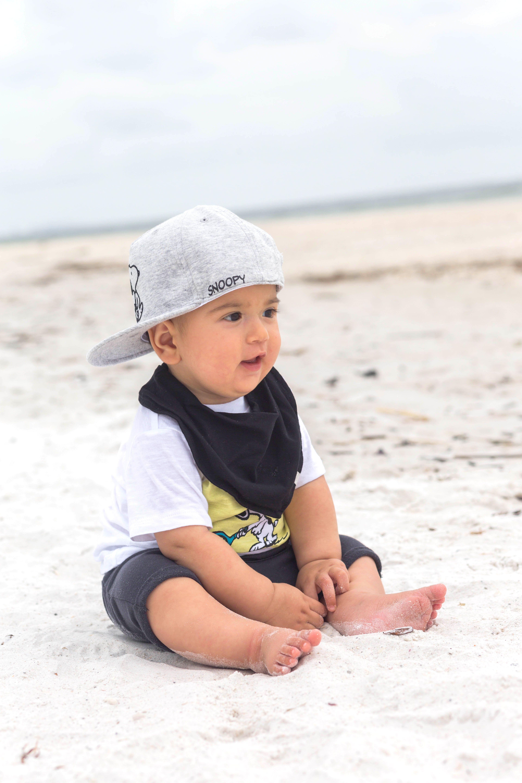 Baby at the beach Beach photography Babies fashion Stylish babies