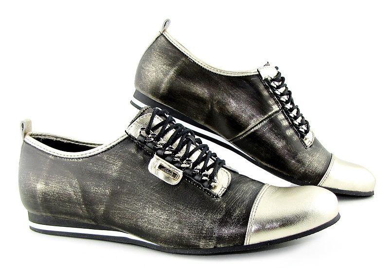 f823834f01bf Trendové kožené topánky so zlatou špičkou • Kabelky-topanky.sk ...