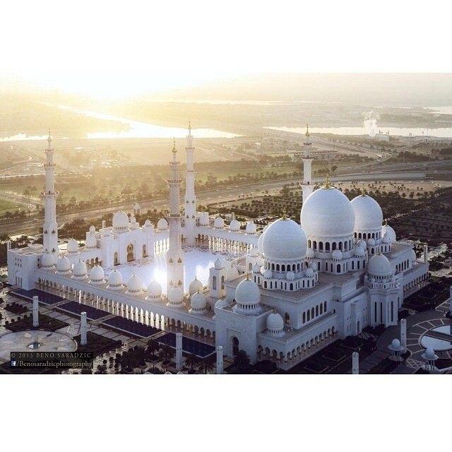 Sheikh Zayed Grand Mosque (Abu Dhabi, United Arab Emirates)