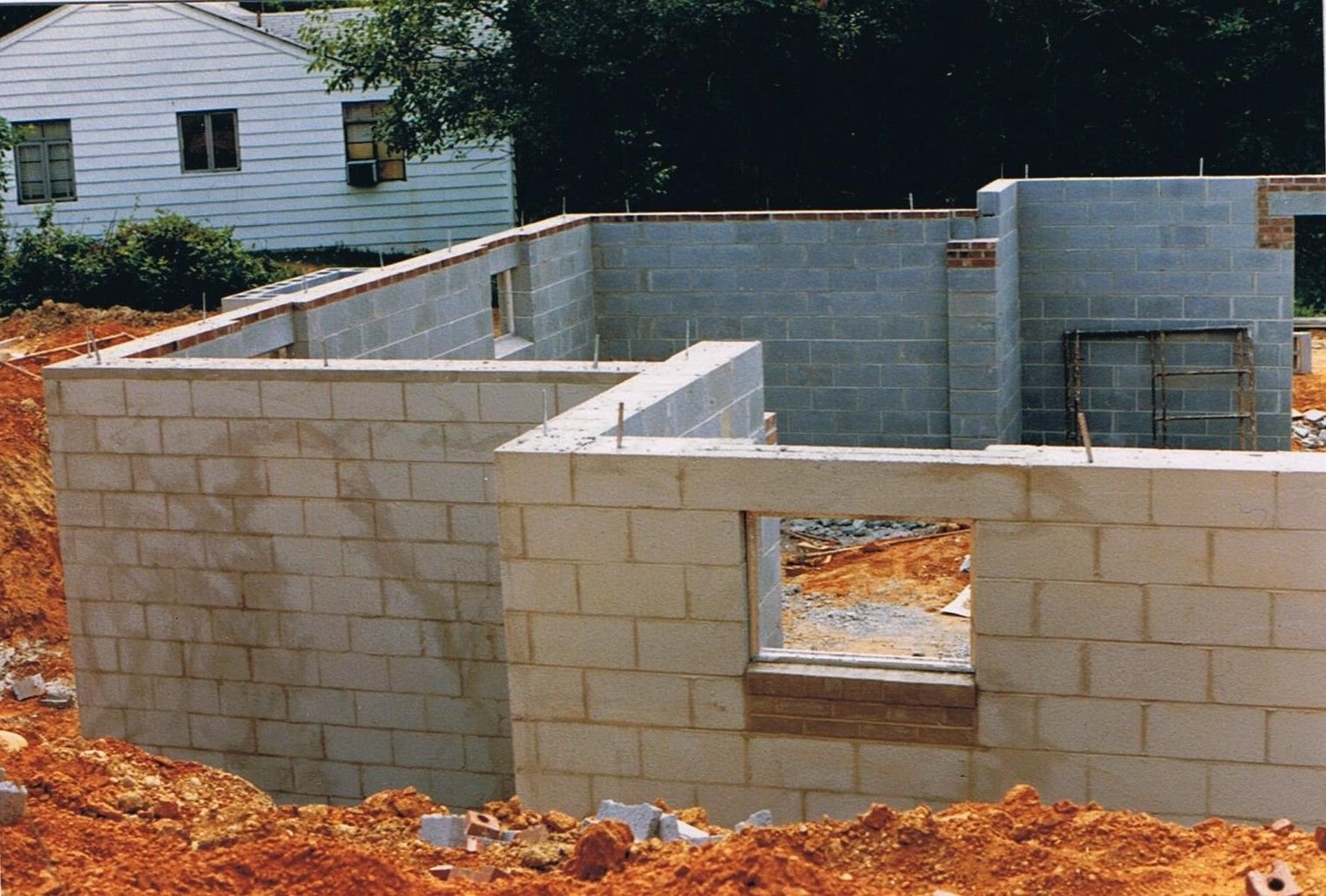 Concrete Block Repair How To Repair Foundation Cracks Concrete Blocks Concrete Block Foundation Cinder Block House