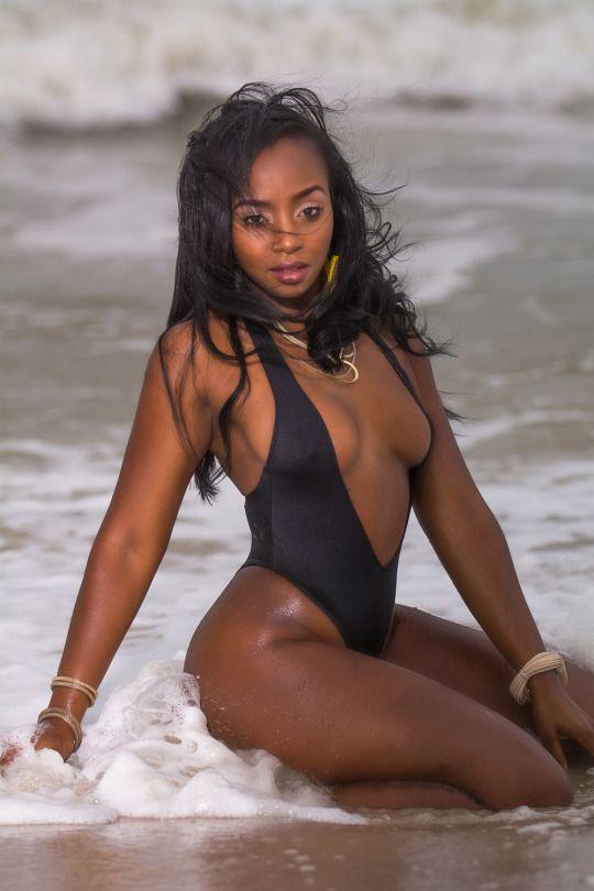 bikini ebony girls