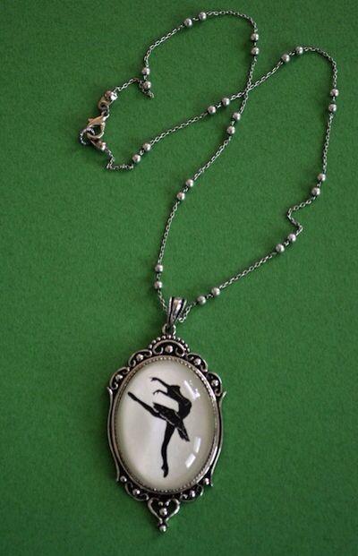 Dancers necklace